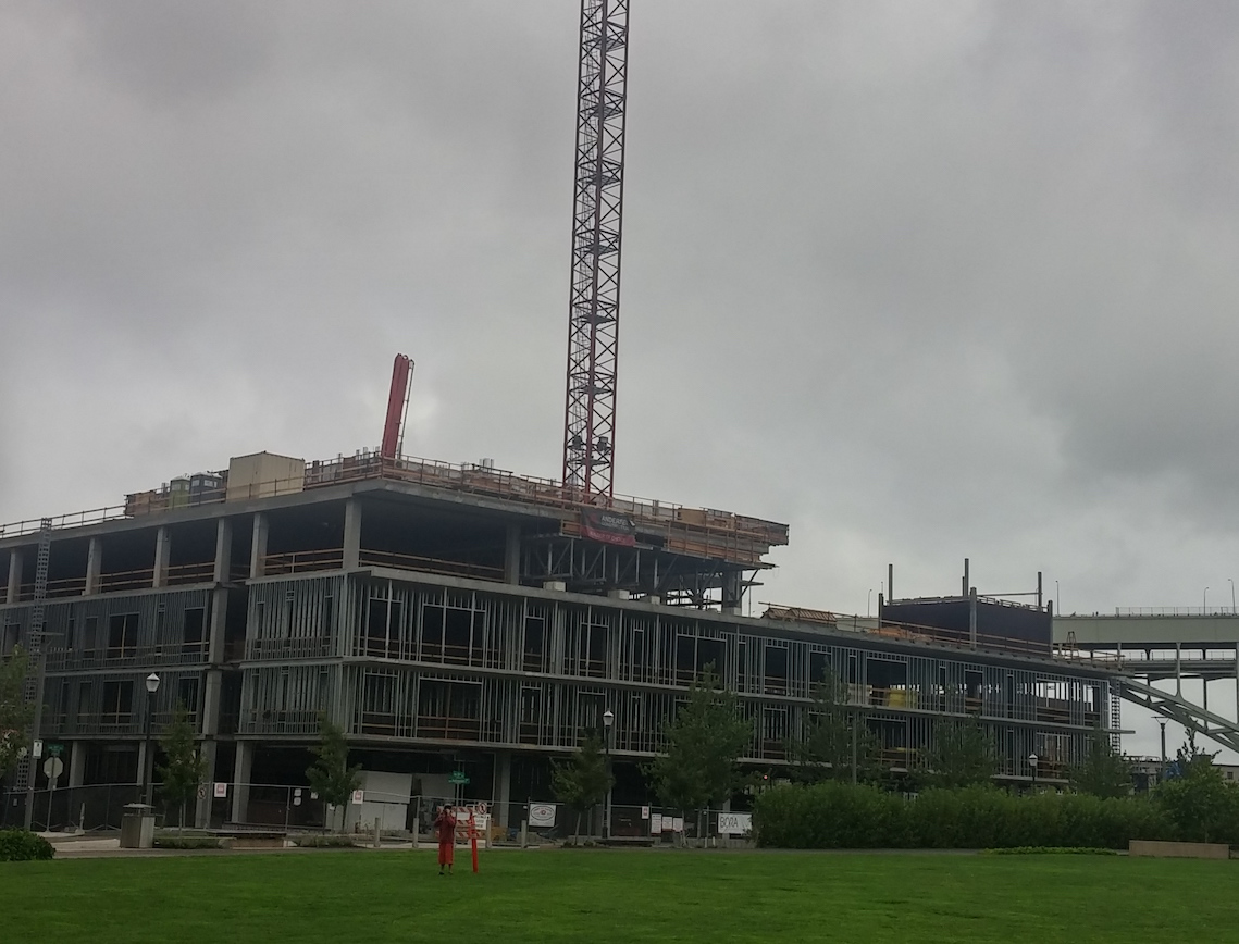 Vista highrise in Portland construction progress.