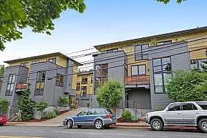 More Details about MLS # 17102259 : 5111 SW CORBETT AVE J