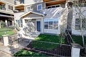 MLS # 17120656 : 3123 N WILLAMETTE BLVD  UNIT 103