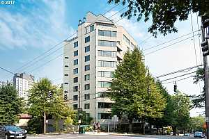 MLS # 17191807 : 2245 SW PARK PL  UNIT 2C