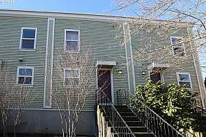 More Details about MLS # 17206350 : 8723 SE 17TH AVE
