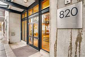 MLS # 17239472 : 820 NW 12TH AVE  UNIT 404