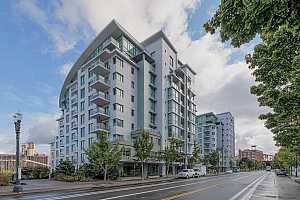 MLS # 17360640 : 1310 NW NAITO PKWY  UNIT 809A