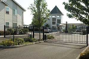 MLS # 17397793 : 15052 NW CENTRAL DR