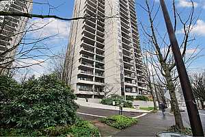 MLS # 17463960 : 2221 SW 1ST AVE  UNIT 621