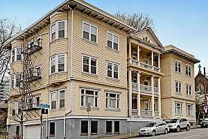 MLS # 18005237 : 1810 NW EVERETT ST  UNIT 202