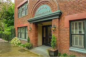 MLS # 18039868 : 2076 NW JOHNSON ST  UNIT 301