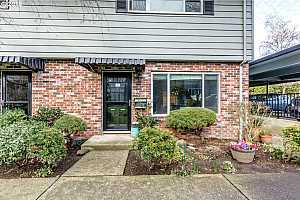 MLS # 18052668 : 8333 SE 23RD AVE A
