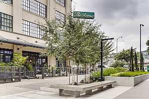 MLS # 18061753 : 1400 NW IRVING ST  UNIT 425