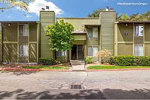 MLS # 18070781 : 2330 SE BROOKWOOD AVE  UNIT 119