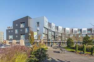 MLS # 18074745 : 12600 SW CRESCENT ST  UNIT 413