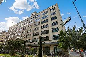 MLS # 18079711 : 1400 NW IRVING ST  UNIT 622