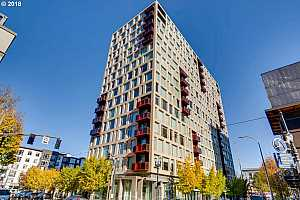 MLS # 18081398 : 937 NW GLISAN ST  UNIT 833