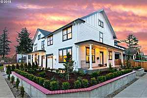 More Details about MLS # 18095097 : 2906 SE 54TH AVE 1