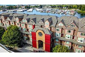 MLS # 18116684 : 905 N HARBOUR DR  UNIT 31