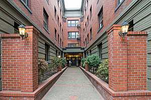 MLS # 18116834 : 2109 NW IRVING ST  UNIT #411