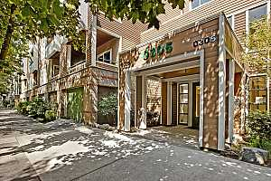 MLS # 18119853 : 305 SW MONTGOMERY ST  UNIT 404