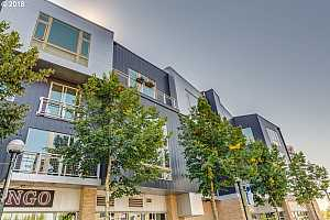 MLS # 18185153 : 12600 SW CRESCENT ST  UNIT 424