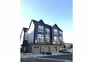 MLS # 18208601 : 18538 NW RED WING WAY  UNIT 202