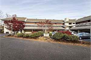 MLS # 18210834 : 5150 SW LANDING DR  UNIT 211B2