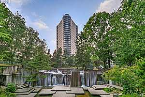 MLS # 18213964 : 1500 SW 5TH AVE  UNIT 1902