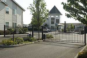 MLS # 18281807 : 15052 NW CENTRAL DR  UNIT 907