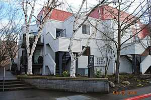 MLS # 18299037 : 810 NW NAITO PKWY  UNIT F-23