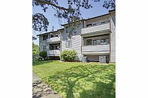 MLS # 18316773 : 12008 SE 104TH CT