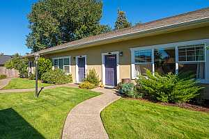 More Details about MLS # 18330828 : 5812 NE 6TH AVE