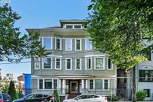MLS # 18394189 : 1714 NW COUCH ST  UNIT 14