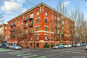 MLS # 18400373 : 1829 NW LOVEJOY ST  UNIT 208