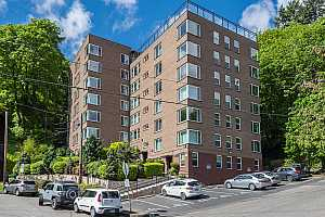 MLS # 18406285 : 1205 SW CARDINELL DR  UNIT 502