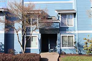MLS # 18426715 : 2330 SE BROOKWOOD AVE  UNIT 217