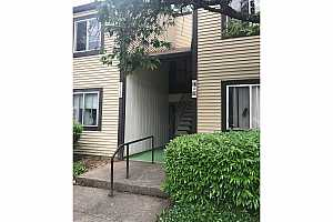 MLS # 18431530 : 2706 SE 138TH AVE  UNIT 30