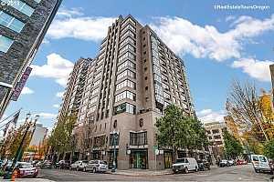 MLS # 18462964 : 333 NW 9TH AVE  UNIT 1101