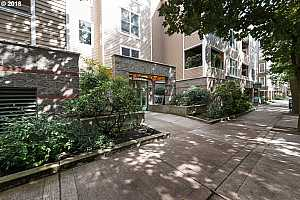 MLS # 18512970 : 205 SW MONTGOMERY ST  UNIT 305