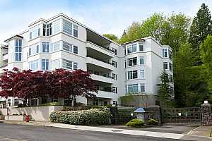 MLS # 18517461 : 2445 NW WESTOVER RD  UNIT 405