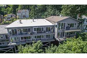 MLS # 18520792 : 1507 SW HALL ST  UNIT A