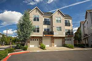 MLS # 18534554 : 18506 NW RED WING WAY  UNIT 201