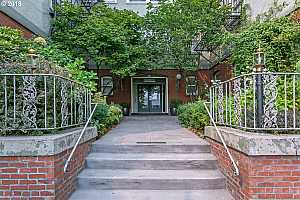 MLS # 18542951 : 731 SW KING AVE  UNIT 9