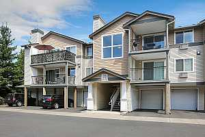 MLS # 18555030 : 770 NW 185TH AVE  UNIT 304