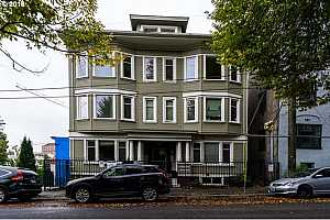 MLS # 18558214 : 1714 NW COUCH ST  UNIT 20
