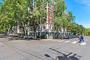 MLS # 18567410 : 1811 NW COUCH ST  UNIT 406