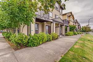 MLS # 18570023 : 1040 SW 170TH AVE  UNIT 201