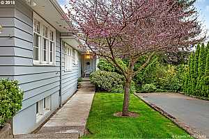 More Details about MLS # 18578492 : 5400 SW SCHOLLS FERRY RD