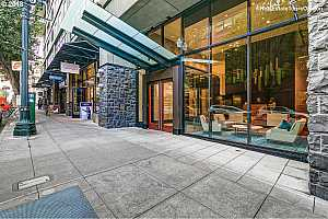 MLS # 18596037 : 1025 NW COUCH ST  UNIT 815