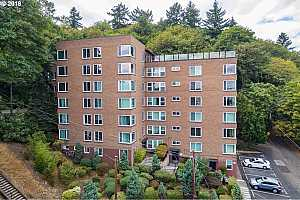MLS # 18629181 : 1205 SW CARDINELL DR  UNIT 305