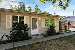 More Details about MLS # 18641930 : 5594 SW ERICKSON AVE