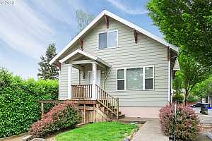 More Details about MLS # 18681610 : 704 BARTON AVE