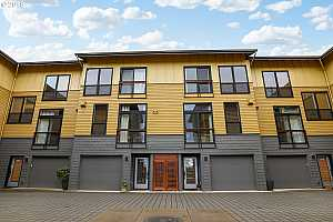 More Details about MLS # 18689109 : 5119 SW CORBETT AVE F
